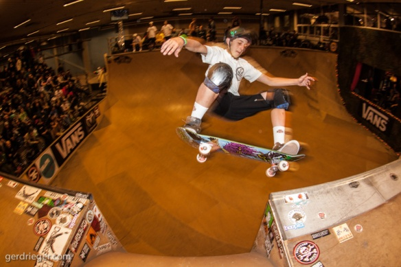 CORY JUNEAU – ollie nose grind over the channel, strong lines and a good mix of tricks got him 3rd place Pro.