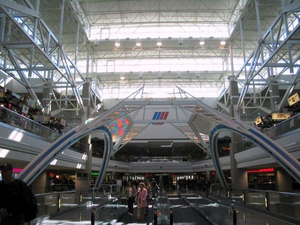 Denver_International_Airport,_Concourse_B